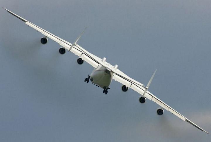 Zanimljivosti o avionima Najveci-avion-na-svetu-9