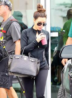 Kim Kardashian at Berries Restaurant Kim_Kardashian_In_Restaurant_007