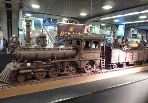 صنع أكبر قطار فى العالم من الشيكولاتة!  15