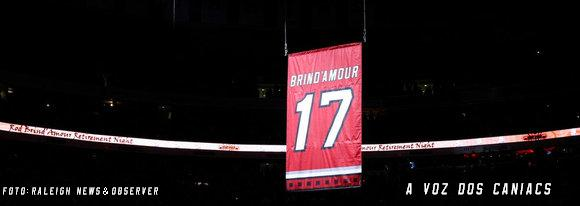 http://3.bp.blogspot.com/-HWpuuonC-9w/TWAxnBfsJkI/AAAAAAAAAGQ/5IUakPKg5Zs/s1600/First_Look__Rod_Brind_Amour_s_sweater_is_retired___02.18.11_mj4vpjxS_099.embedded.prod_affiliate.156.JPG