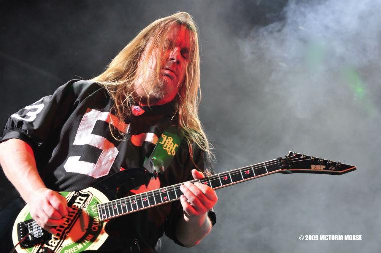 RIP Jeff Hanneman Hanneman-jeff-hanneman-21392936-2560-1700