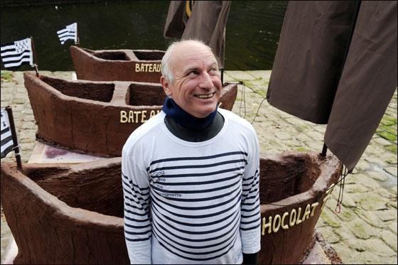 الإبحار في قوارب من الشوكولاتة بجنوب فرنسا  Choco_boat5