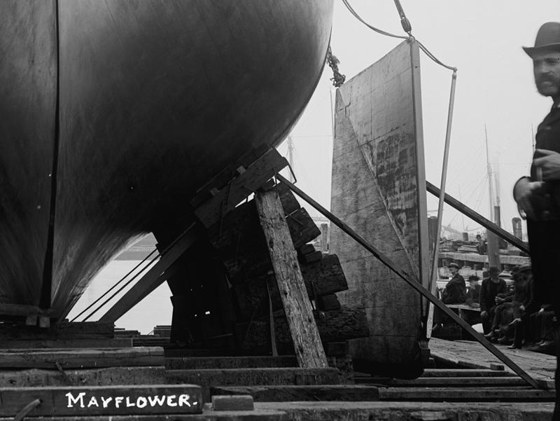 Puritan, sloop de 1885 - Page 2 Derive-mayflower