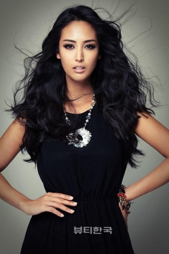 ★ MISS MANIA 2013 - Patricia Rodriguez of Spain !!! ★ Catharina-songee-choi-miss-korea-brazil-2013-00