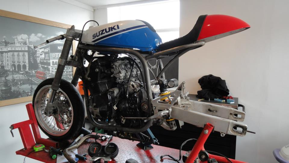 gsxr cafe racer - Page 2 580393_10152163070400599_2108681274_n