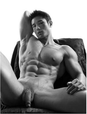 Hot boy châu á và châu âu thi nhau khoe cặc khủng Tumblr_lx4jjum0pb1qgb0w5o1_500