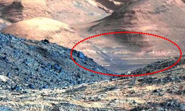 Curiosity finds Ancient Wall and Drainage ditch up on a mountain on Mars Mars%2Brover%2Bcuriosity%2Bnasa%2Bartificial%2Bstructures