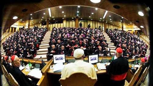 Citation 18/Pierre/l'Église catholique gouvernée par le successeur de Pierre.../ Sinodo2
