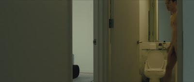 Hình ảnh toàn thân của nam diễn viên khi đóng phim WR849