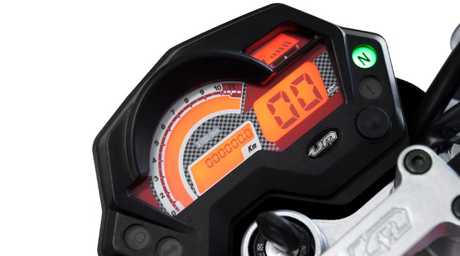 La Xtreet es la única moto en el mundo que ha incorporado 37 bombillas de luz LED Xtreet_Closeup_SAM