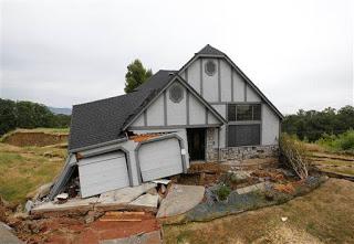 California: le case stanno sprofondando lentamente  249166_10151615670915552_891689870_n