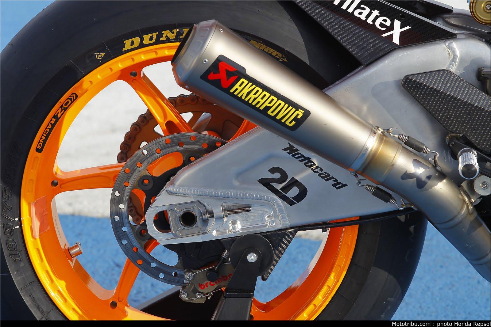 Machines de courses ( Race bikes ) - Page 6 Suter%2BMMX%2BMarquez%2B2011%2B06
