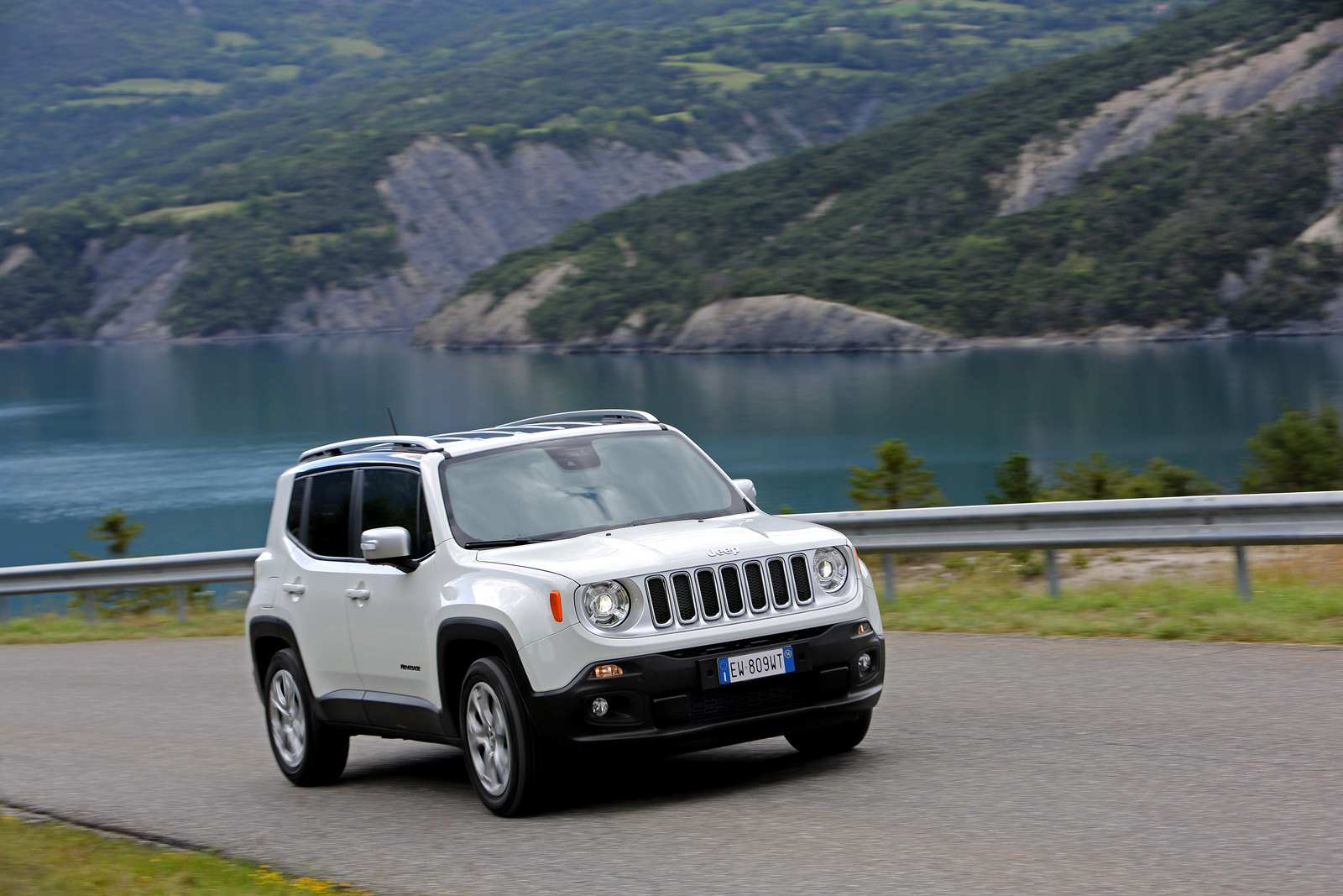 2014 - [Jeep] Renegade - Page 10 Jeep-Renegade-Limited-2