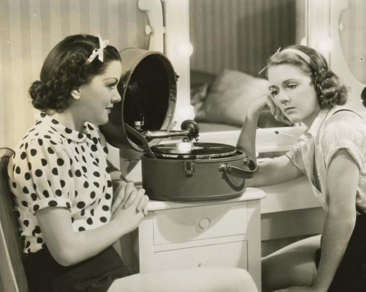 "Efeito WAF ""The Golden Age of Hi-Fi (ladies-of)"" Rhhhd"
