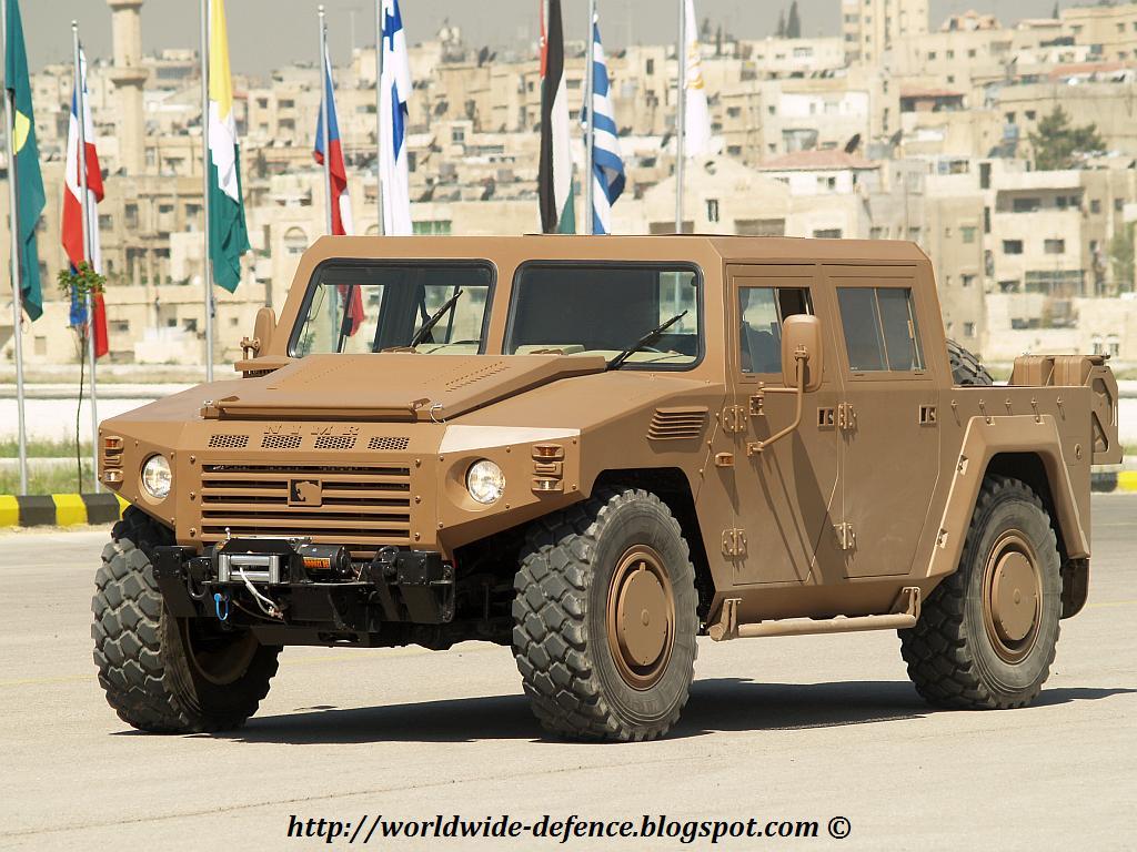 Fuerzas Armadas de Jordania Nimr_4x4_4_doors_sofex_2008_amman_jordan_03