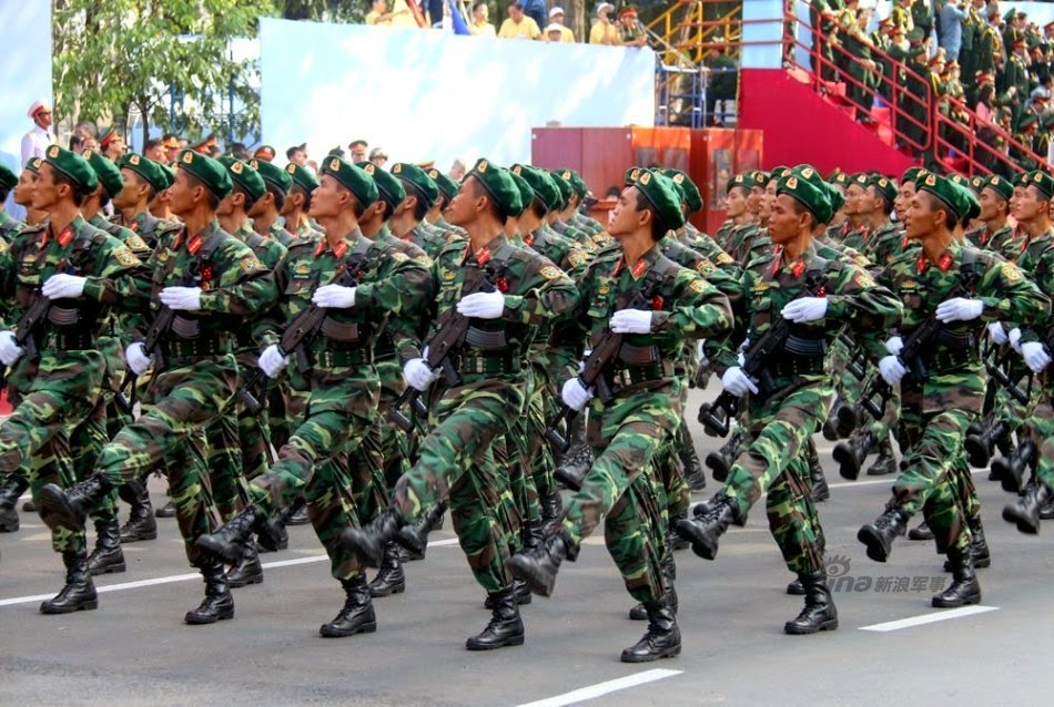 Vietnam - Página 6 Thousands%2Battend%2Brehearsal%2Bfor%2B40th%2Banniversary%2Bcelebrations%2Bof%2BVietnam%2BLiberation%2BDay%2Bparade%2B12