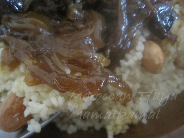 Tfaya Recipe or Caramelized Onions and Raisins / Recette de Tfaya ou les Oignons Caramélisés et raisins secs à la marocaine 0613