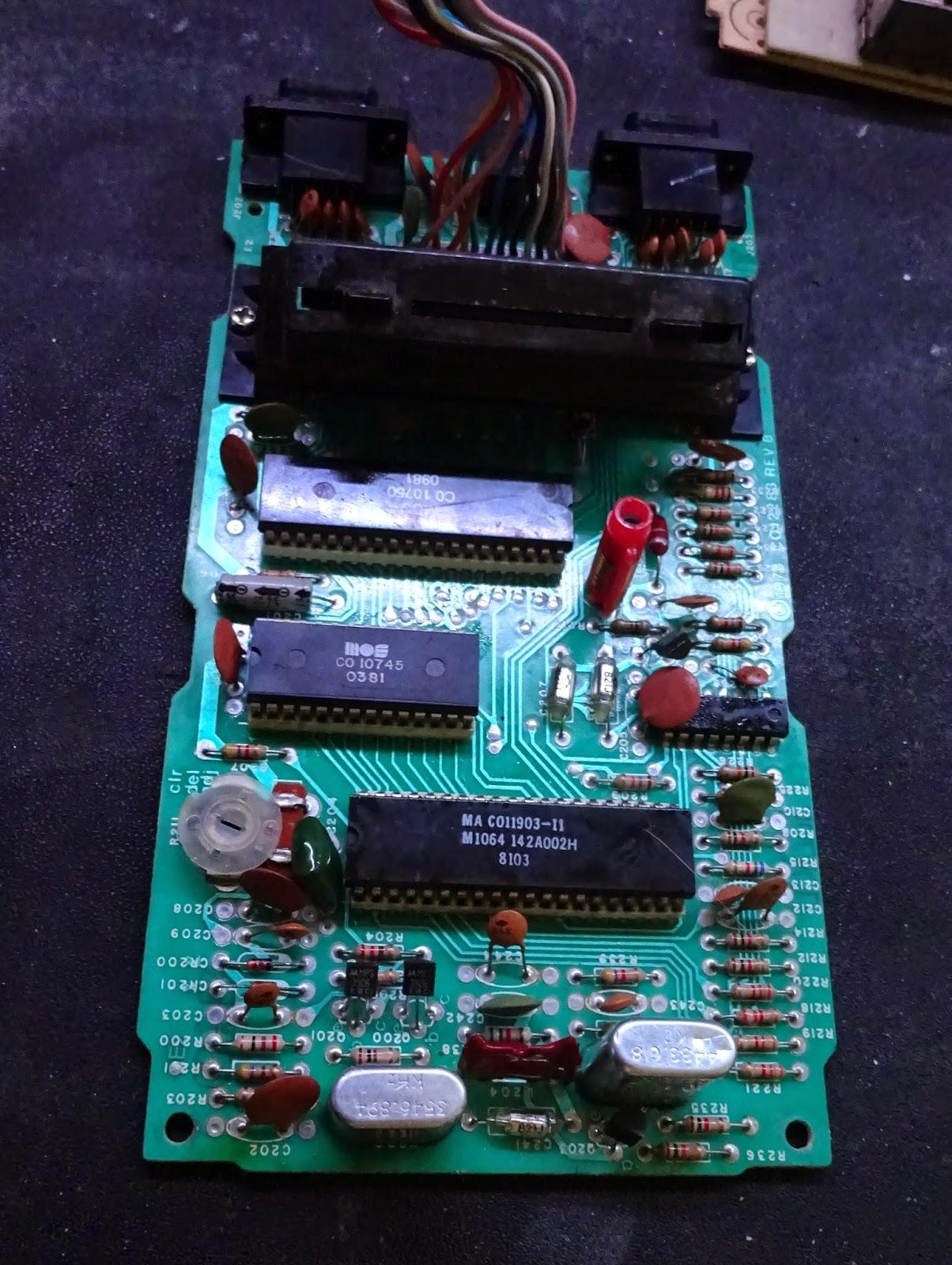 Studio II de RCA, pire hardware de l'histoire videoludique? Atari%2B2600%2Bmain%2Bboard