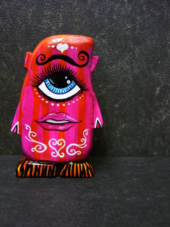 Salish Figuren Pinky-fix