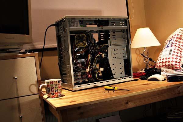 [صيانة الكمبيوتر] تحديد اي قطع الجهاز هي سبب المشكلة Pc-troubleshooting-guide