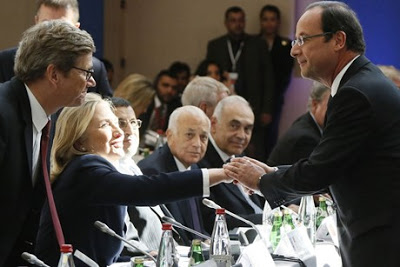 pour - Ingérence impérialiste en Syrie:  Le sinistre plan du Nouvel Ordre Mondial… Hollande_Clinton