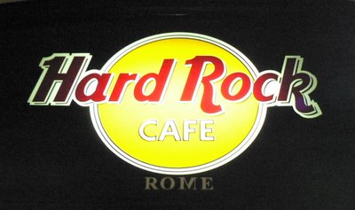 All'Hard Rock Café di Firenze sarà esposto un cimelio di Michael - Pagina 3 Hard-rock-cafe-rome