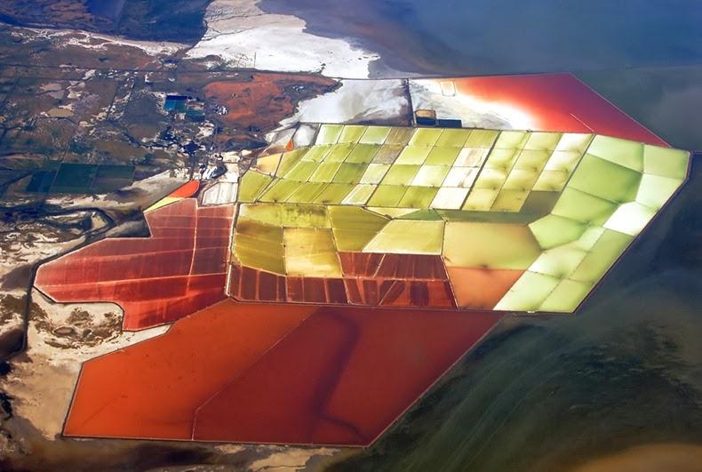 احواض الملح الملونة في خليج سان فرانسيسكو (بالتة الوان طبيعية)  2