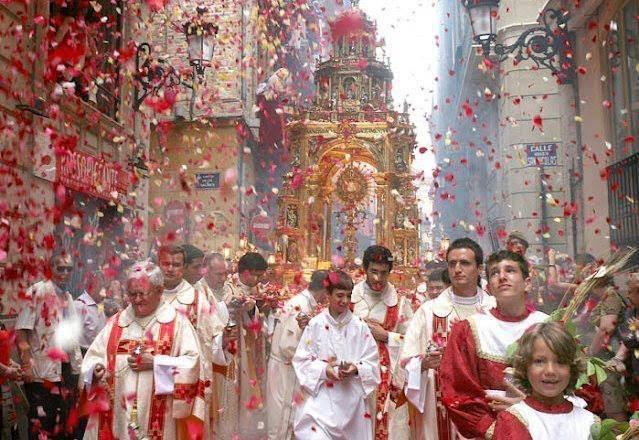 BEAUTÉS DE L'ÉGLISE CATHOLIQUE: SON CULTE, SES MOEURS ET SES USAGES; SUR LES FÊTES CHRÉTIENNES - Allemagne - 1857 RosePetalsprocession