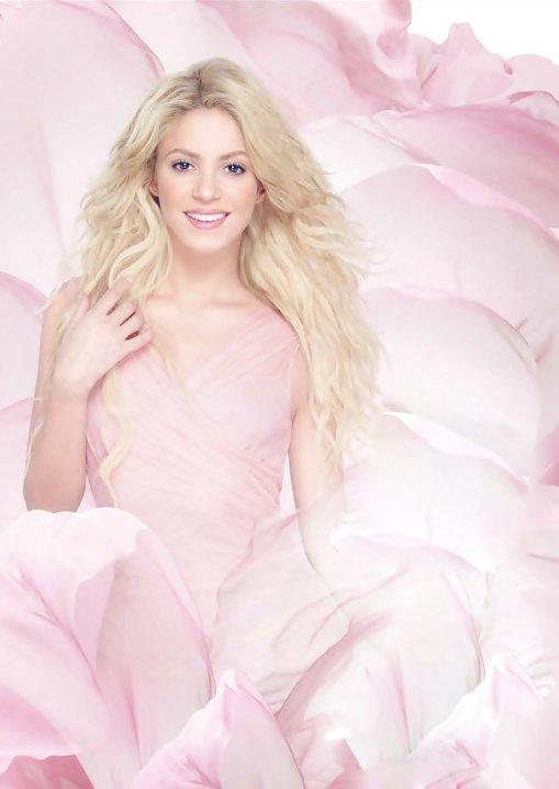 Fragancias de Shakira » Nueva: Love Rock! 262213_10150227038712460_736612459_7201112_5255503_n