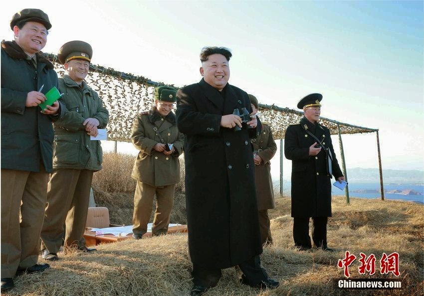 Corea del Norte - Página 8 North%2BKorea%2B-%2BKim%2BJong-un%2Bwatches%2Bnew%2Banti-ship%2Bmissile%2Blaunch%2B1
