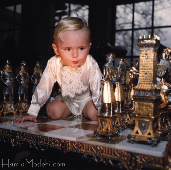 Novas fotos da infância de Prince e Paris CkWZghV