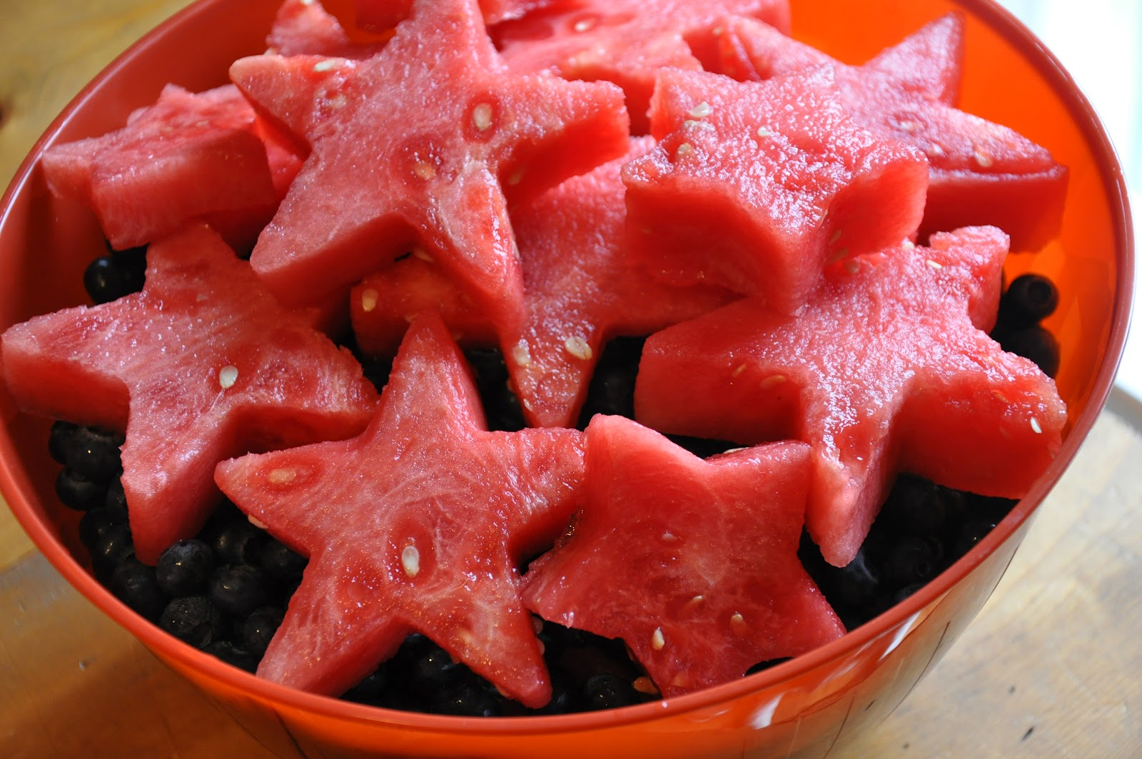 Čime bi  udarili forumaša iznad ? Watermelon%20Stars%20over%20Blueberries