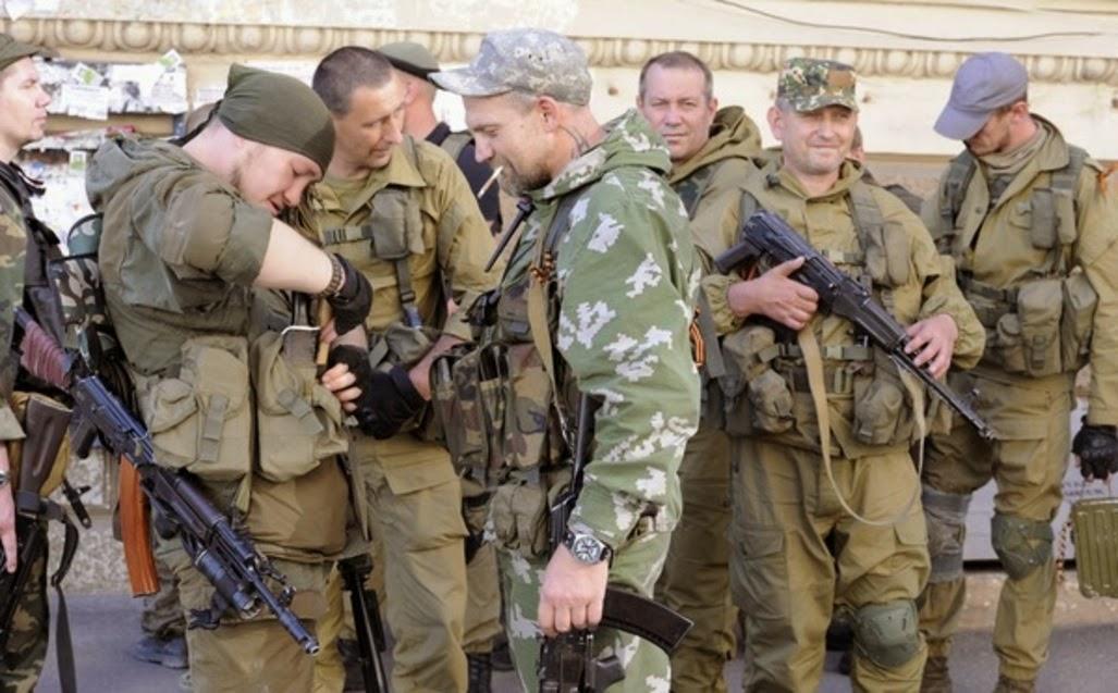ukraine - Affrontements en Ukraine : Ce qui est caché par les médias et les partis politiques pro-européens - Page 14 Nouvelles-discussions-pour-retablir-le-cessez-le-feu-en-Ukraine_article_popin