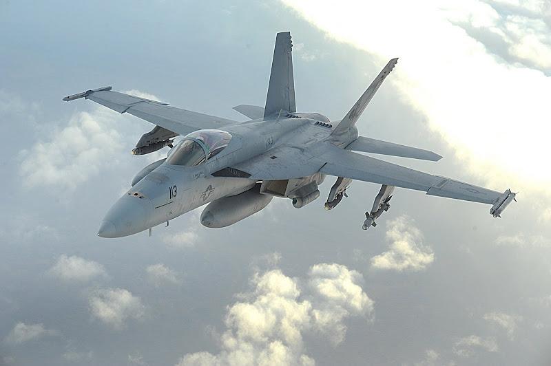 مسابقة الأسئلة العسكرية 2013. إدخل و فوز بجوائز! - صفحة 2 F%2BA-18E%2BF%2BSuper%2BHornet%2BStrike%2BAttack%2BAircraft