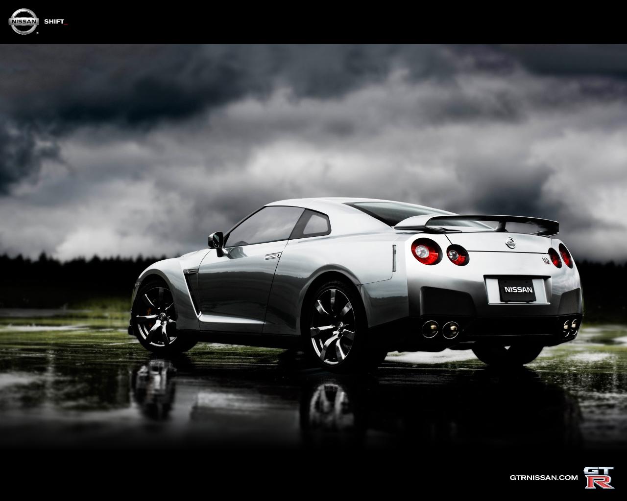 Tu garaje de 5 coches... un debate abierto en mil sitios. Nissan-GTR-Wallpaper-5