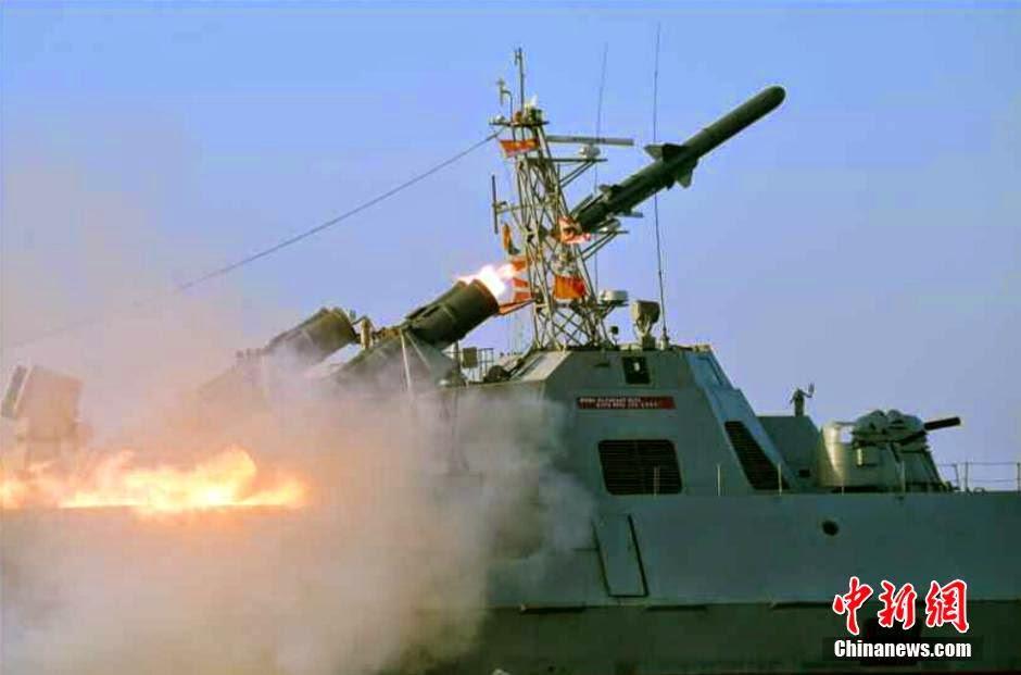Corea del Norte - Página 8 North%2BKorea%2B-%2BKim%2BJong-un%2Bwatches%2Bnew%2Banti-ship%2Bmissile%2Blaunch%2B5