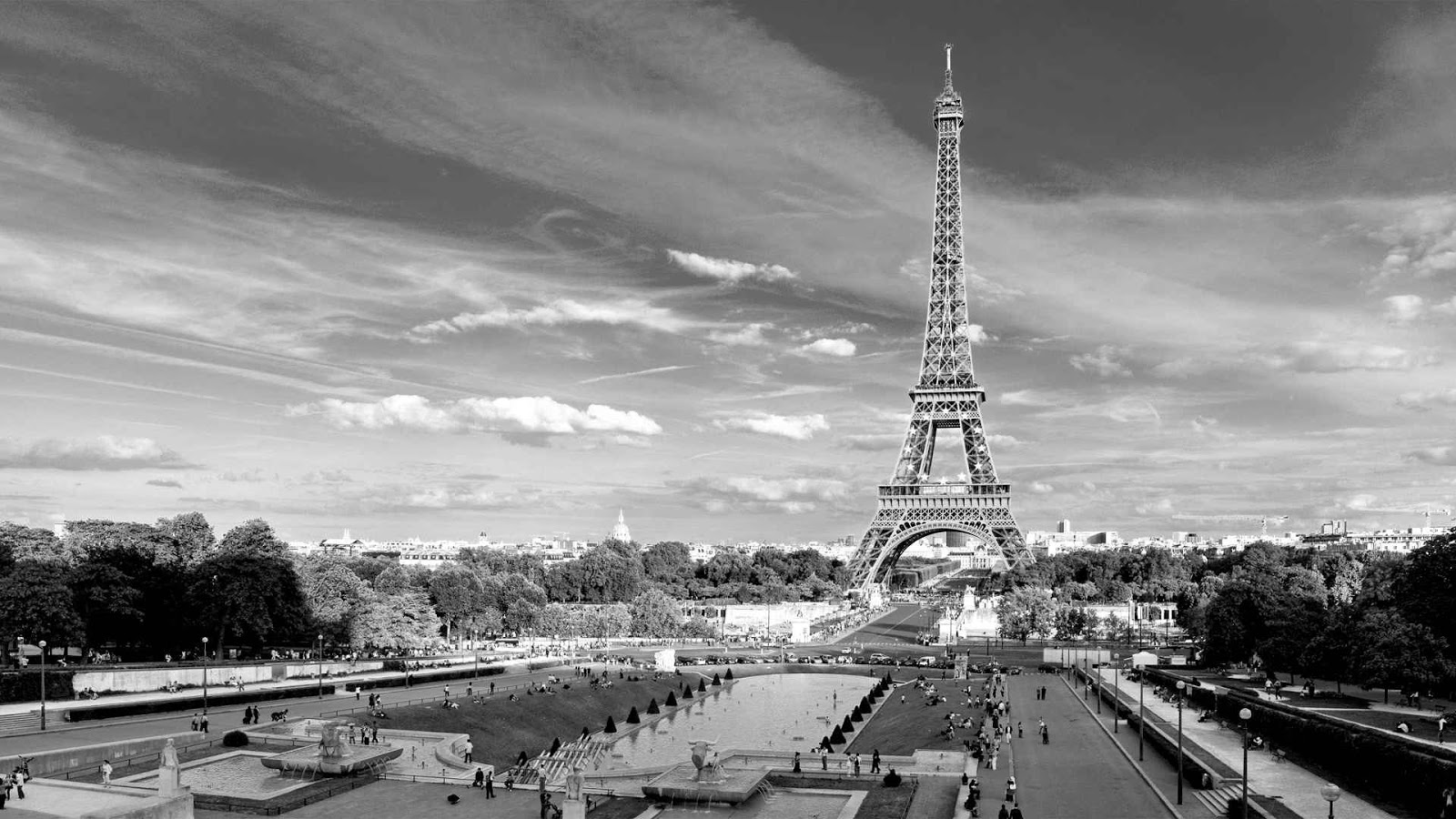 Paris city of love - Page 2 Eiffel-tower-paris-black-and-white-photos-01
