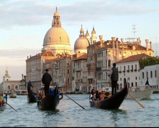 رحلة إلى مدينة القوارب البندقية '' فينيسيا  Fynsy_2