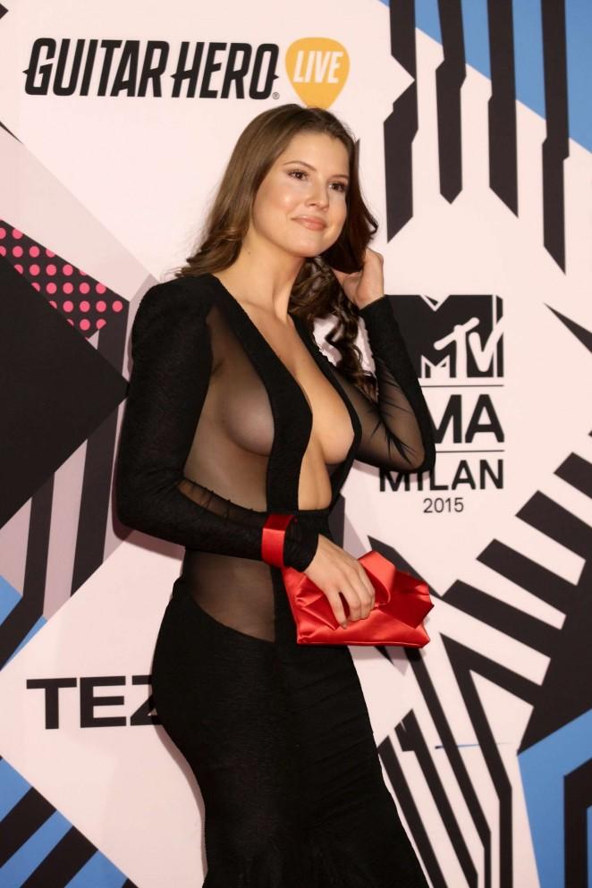 Tías de 25 a 34 años - Página 2 Amanda-Cerny%2B-2015-MTV-European-Music-Awards-04