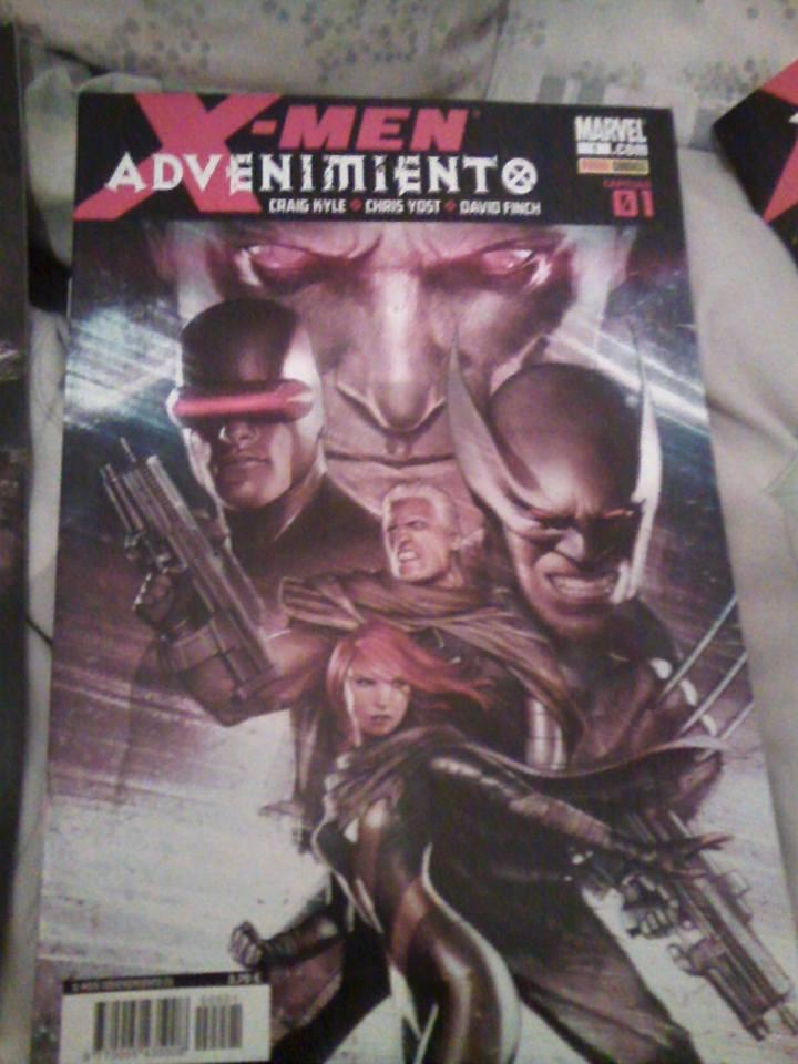 [Comics] Siguen las adquisiciones 2015 - Página 3 12189562_854781924642419_8767914948201499228_n