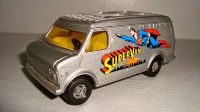 """Les """"petites voitures"""" à l'effigie des héros des années 80 - Page 4 Supervan-corgi004"""