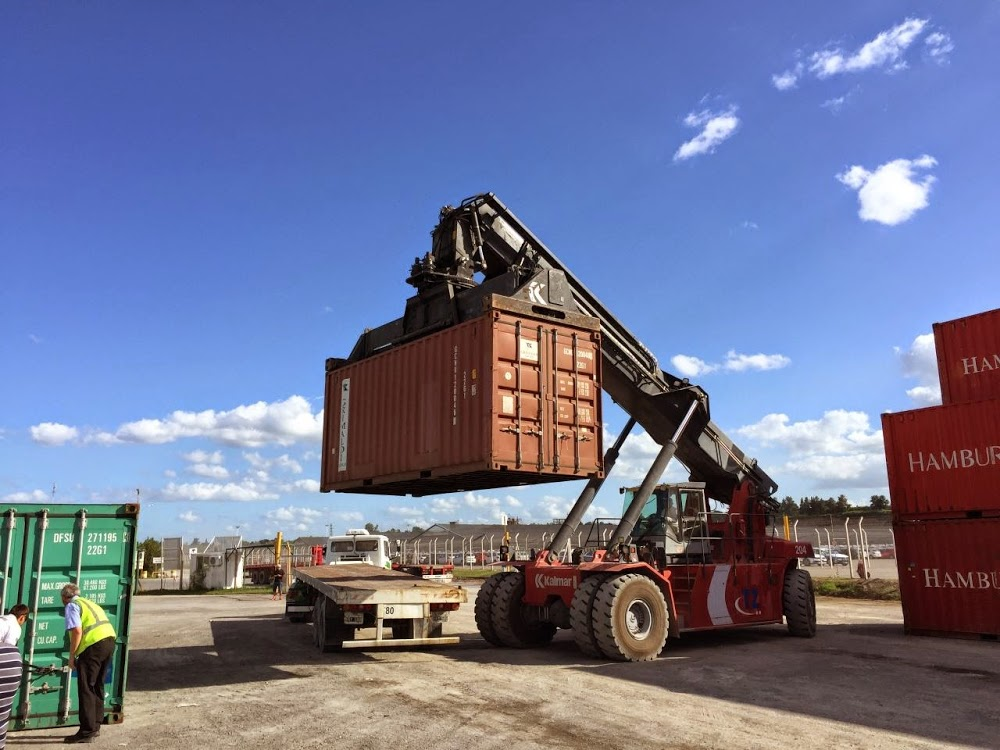 Adventure-Overland: Transafrica - Panamericana and next? Container-verschiffung-zarate