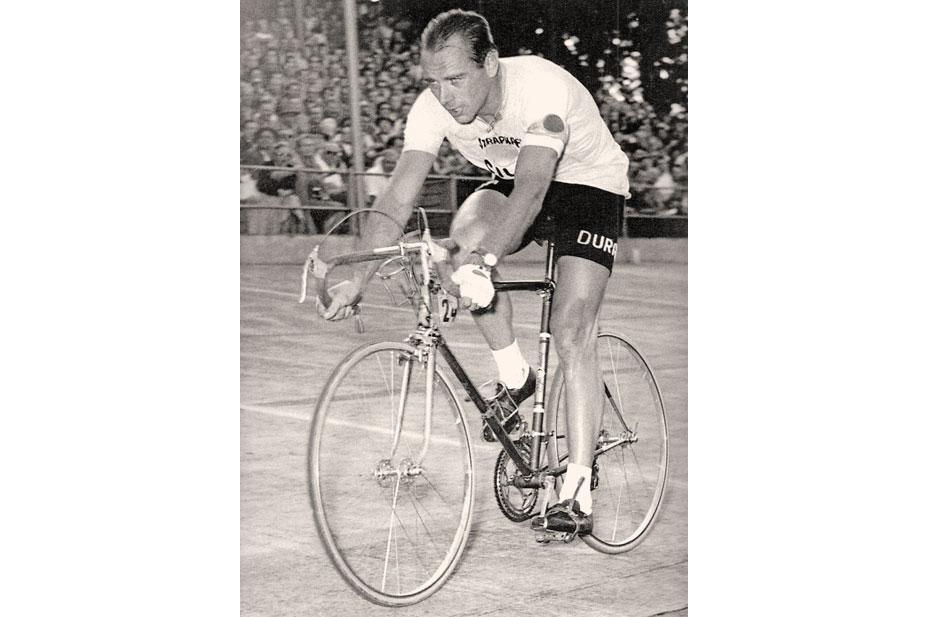 Cilo Reynolds 531 Hugo_koblet_on_bike