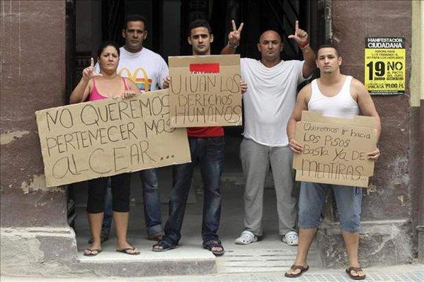 Los gusarapos que vinieron a España. Algunos datos. Cuba-disidentes-cinco-cubanos-inician-una-huelga-de-hambre-en-malaga-al-no-lograr-alquilar-un-piso%2524599x0