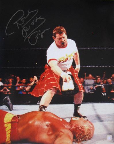 World Wrestling Federation (Aquellos Maravillosos 80's) Rowdy-roddy-piper-over-hulk-hogan