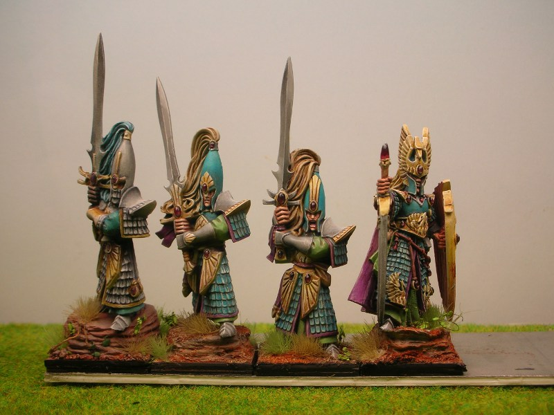 Maybe the beginning of a High Elf army 4SwordmastersHP