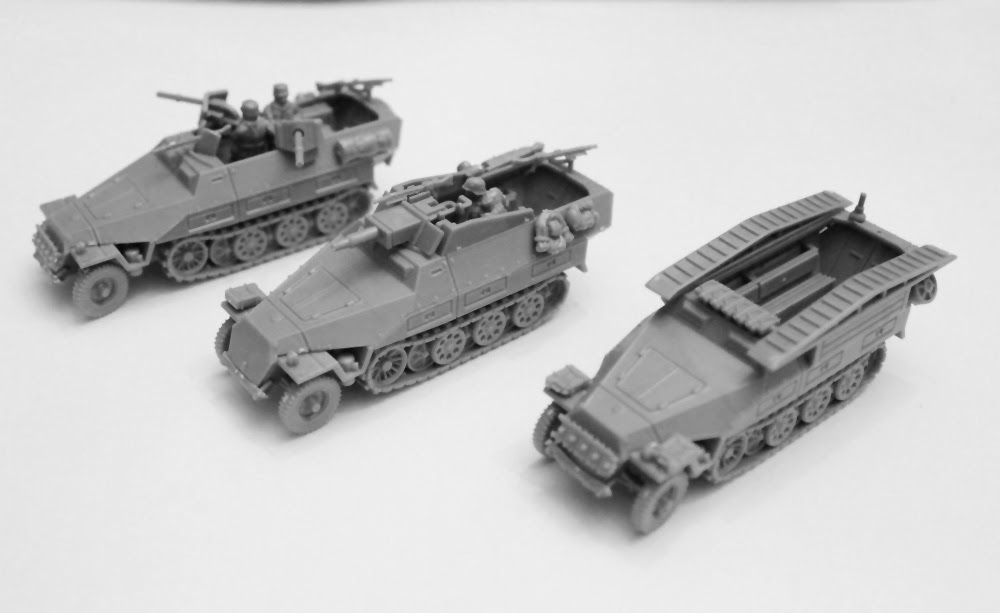 Unboxed PSC Sd.Kfz. 251 Variants PSC_05