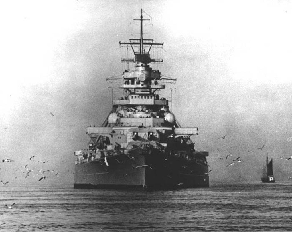 بارجة بسمارك  Bismarck1_g