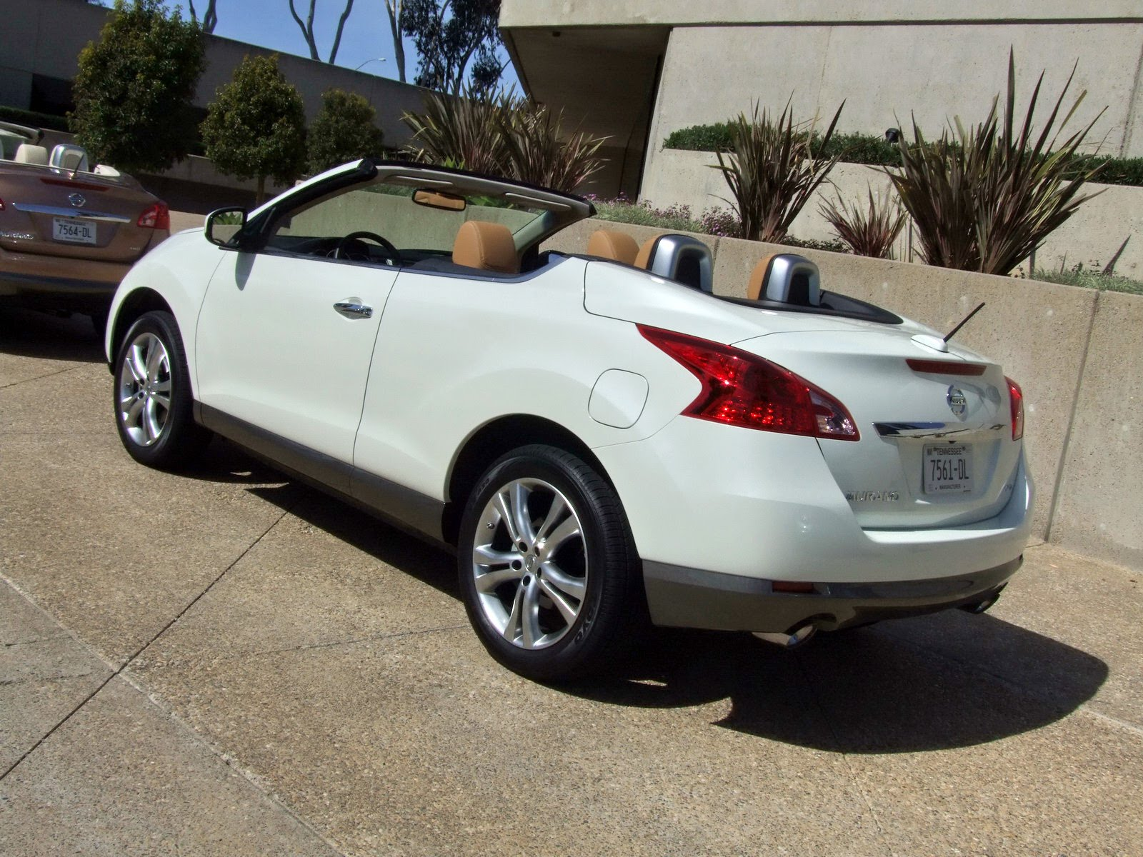 2010 - [Nissan] Murano CrossCabriolet - Page 4 2011-Nissan-Murano-CC-TD-635
