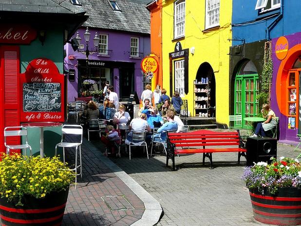 كينسالي قرية الصيد الملونة في إيرلندا Tumblr_mbbut5dOFg1r6b8aao1_1280
